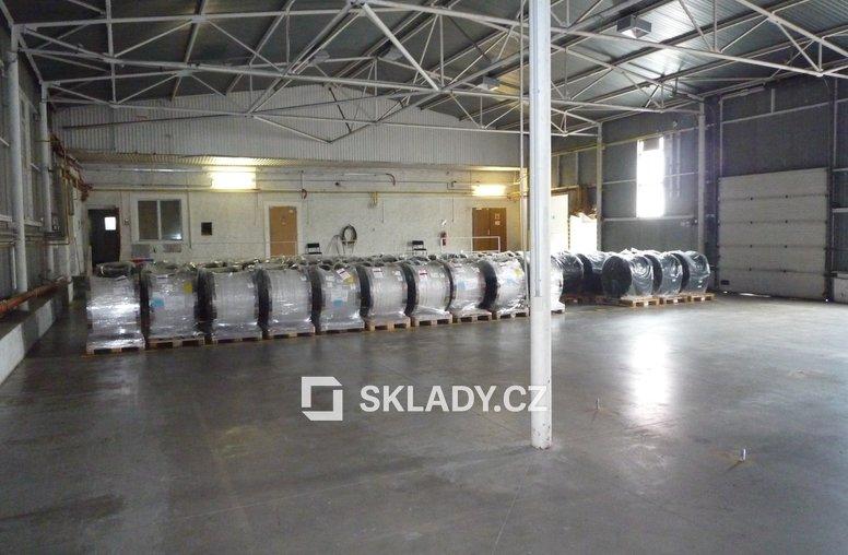 Skladový-výrobní areál (8)