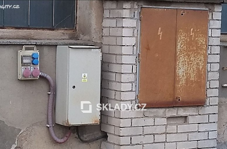 sklad 860 m2 - Horní Počernice-