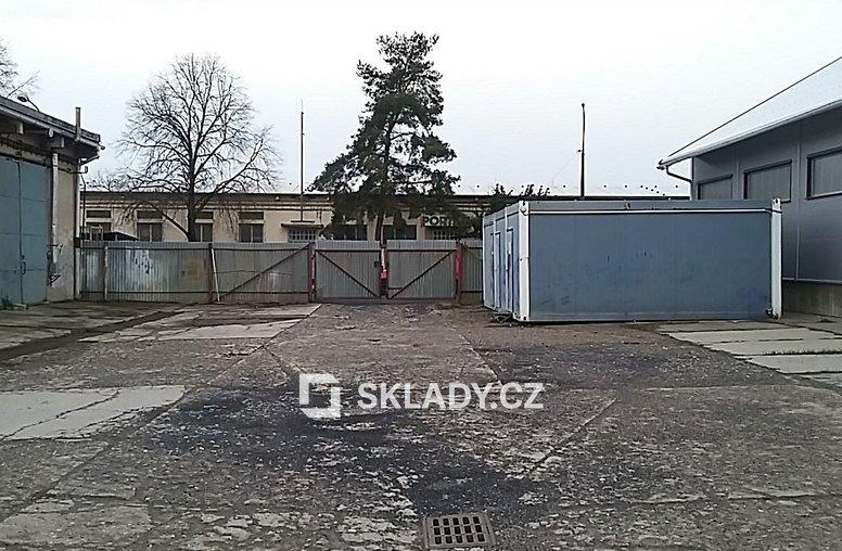 sklad 860 m2 - Horní Počernice.,