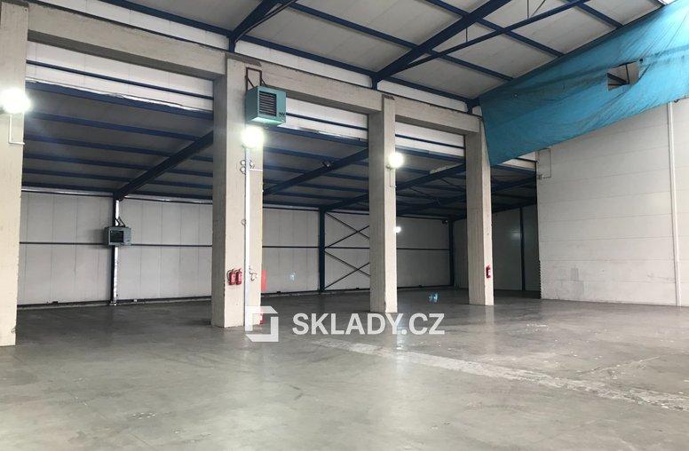 Skladové prostory 1350 m2 - Horní Počernice (2)