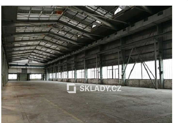 skladové prostory 1 900 m2..
