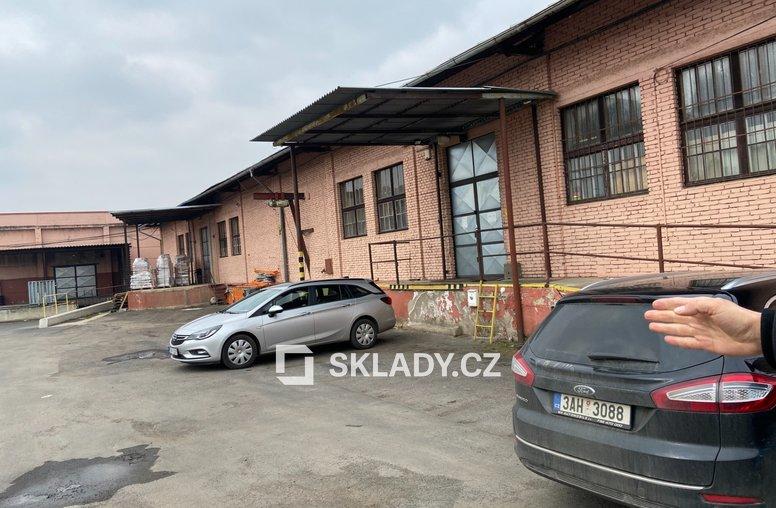 Sklad 2 000 m2 - Vojkovice..