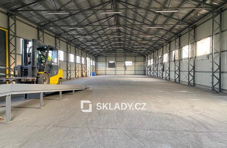 sklad 880 m2 -Žalany3