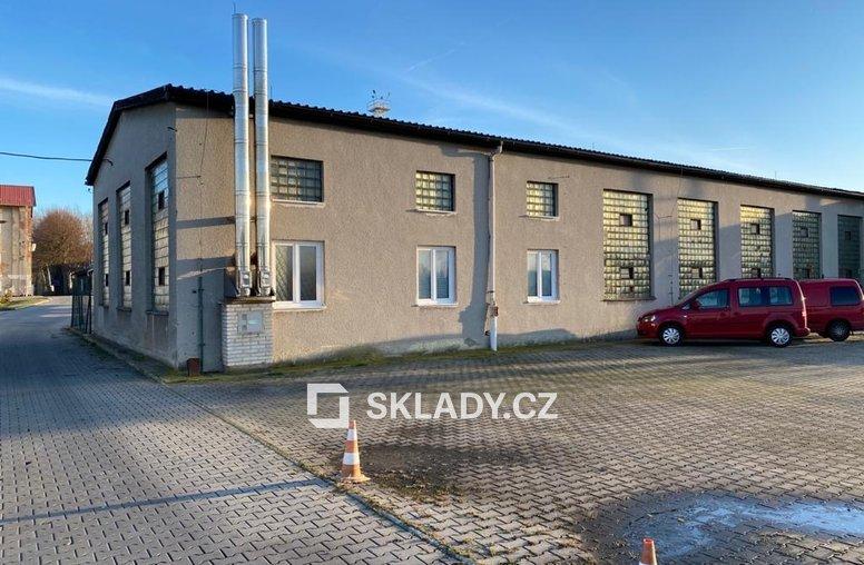 zděný sklad 456 m2  -Žalany