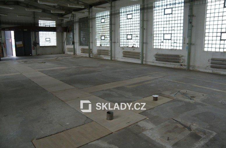 sklad 456 m2  -Žalany5