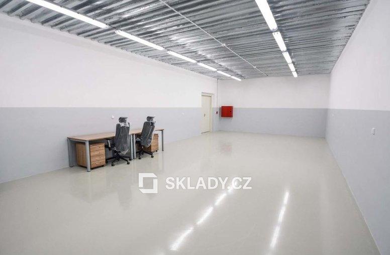 Hala 700 m2 - .kanceláře
