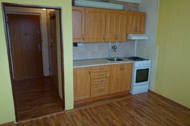 Prodej dr. bytu 1+1 v Karviné, ul. Bratr. Veverkových, Ev.č.: 12093