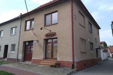 Prodej rodinného domu s obchůdkem a bytovou jednotkou 3+kk, Újezd u Brna, Ev.č.: 00296