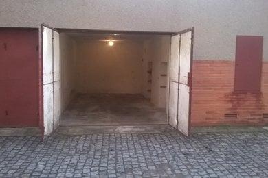 Pronájem, Garáže, 20m² ul.Langrova Slatina, Ev.č.: 00312