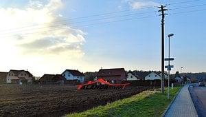 Prodej zasíťovaného stavebního pozemku - Hoděšovice (1453 m2)