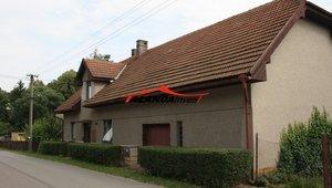 Prodáme větší rodinný dům, 1NP 3+1, 2NP 1+1, s možností půdní vestavby, velká garáž, zahrada, obec Hnátnice okr. Ústí nad Orlicí, zastavěno 269 m², celková plocha 1170 m²