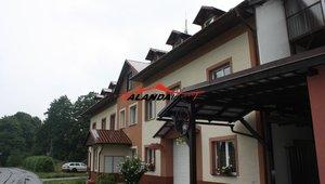 Prodáme dva byty  o výměrách 5kk 105,35 m²  a 1+1 32,40 m² s lodžií 7,68 m² , Albrechtice u Lanškrouna ,TOP CENA včetně právního servisu a služeb realitní kanceláře