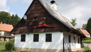 Nabízíme ke koupi pozemek s  chalupou v Orlických horách přímo v zimním středisku Čenkovice, které je součástí skiresortu Buková hora, zastavěno133 m², pozemek celkem 1034  m²- Čenkovice