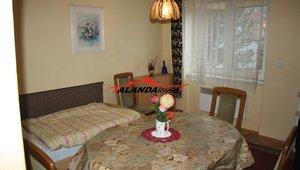 Prodáme byt  3+1 v osobním vlastnictví , suchý zděný dům, centrum města, výměra  70 m² - Žamberk