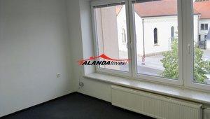 Pronajmu kancelář v centru Heřmanova Městce 15 m2