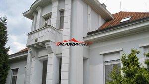 Prodám dvougenerační historickou vilu v klidné části Heřmanova Městce