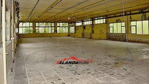 Prodej výrobní a skladovací haly a manipulačních ploch 5546m² -