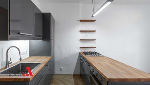 Prodáme slunný byt po rekonstrukci o velikosti 3+kk a výměře 73 m² - Praha - Vršovice
