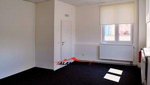 Pronájem 5 kanceláří, od 22m² - Hradec Králové - Nový Hradec Králové