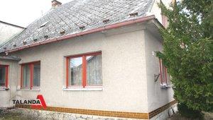 Prodáme rodinný dům s garáží na klidném místě v  zástavbě rodinných domů s výbornou dostupností občanského vybavení , zastavěná plocha  170 m², zahrada 191m² - Ústí nad Orlicí