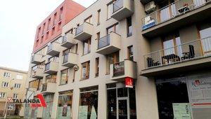 Pronajmeme prostorný   byt o velikosti 2+kk, výměře 56,9 m² - Hradec Králové - Obytný komplex Kollárova, dvě garážová stání v podzemních garážích, lodžie.