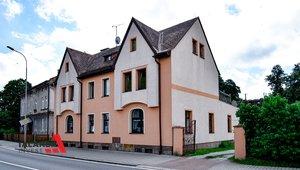 Prodáme pěkný byt ve zděném domě dispozice 2+1, který v podkroví nabízí další dvě místnosti, celková výměra 111,51 m² - Trutnov - Poříčí