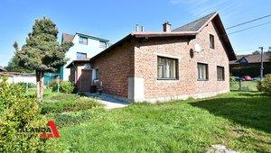Prodáme rodinný dům s pěknou zahradou na okraji klidné obce , 1086m² - Hnátnice