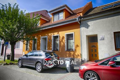 Pronájem, Rodinné domy, 220m² - Brno - Židenice, Ev.č.: 00346