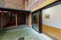 Prodej-rodinneho-domu-Brno-Sobesicka-Realitni-makler-Tomas-Dofek-Lobby