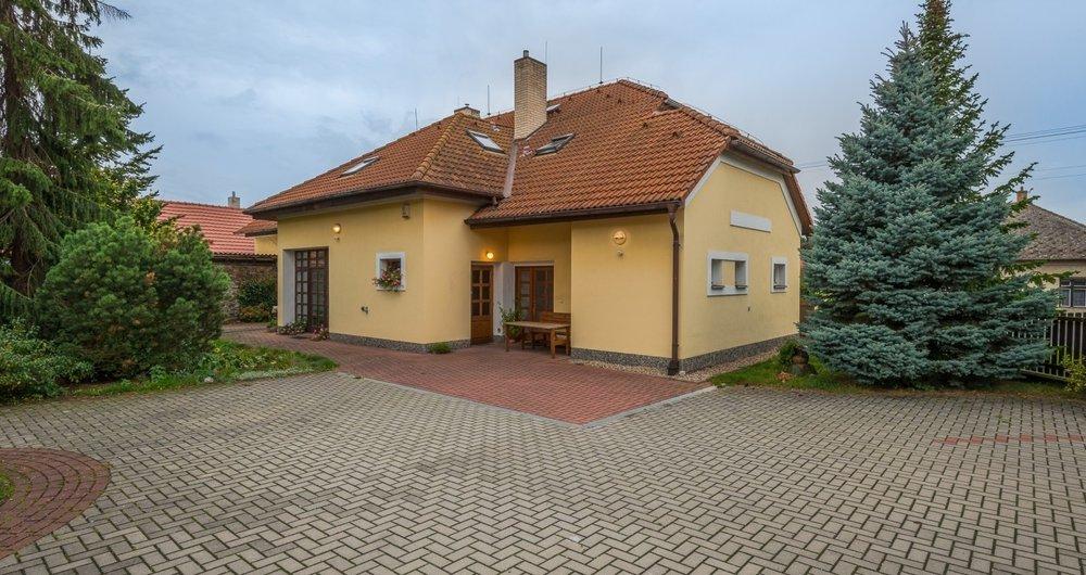 Prodej rodinného domu 310 m², Krchleby