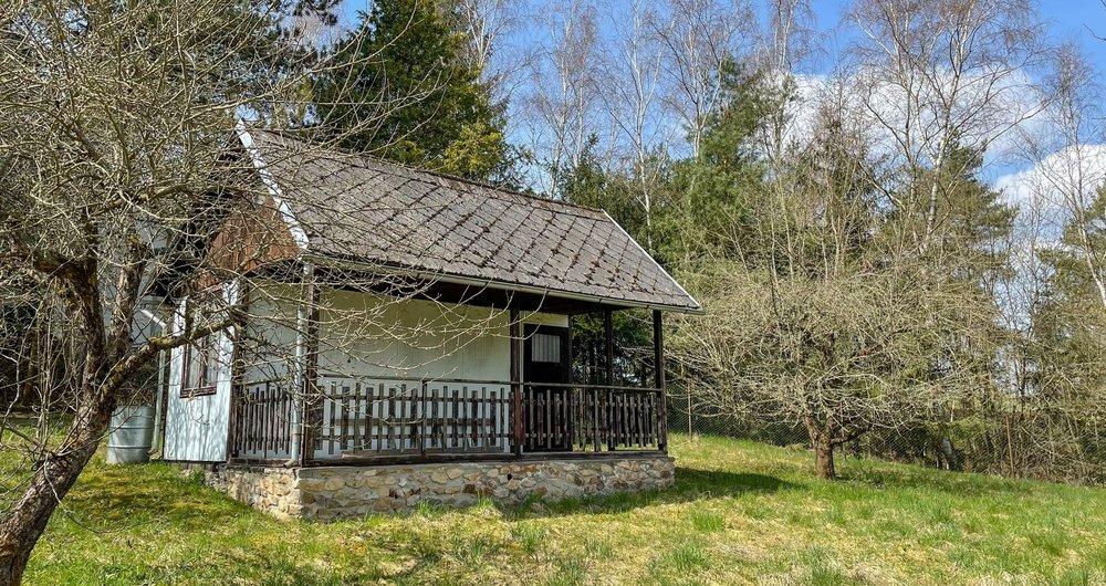 Prodej pozemku s chatou, 570 m², Pelhřimov