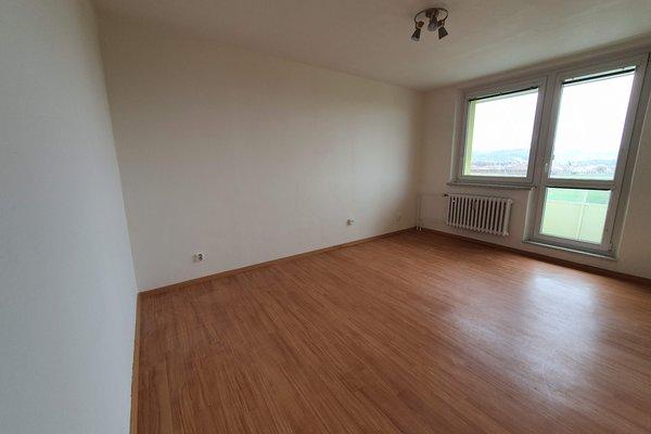 Prodej bytu 2+1, 56m² - ul. sídliště, Hrušovany u Brna