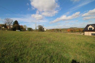 Prodej stavebního pozemku v krásném místě obce Javůrek, 25 km od Brna, 3054 m²