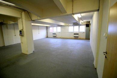 Pronájem výrobních či skladovacích prostor v centru Brna, 102 m²