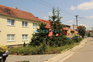 Prodej dvougeneračního rodinného domu v Sivicích