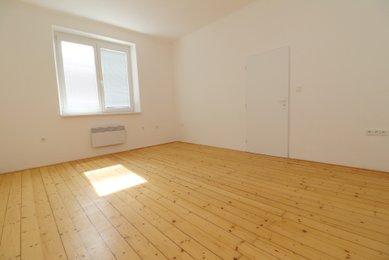 Slunný byt 1+1, 34 m² - Brno - Židenice, ulice Filipínského