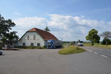 Prodej komerčního objektu u státní silnice R43, CP: 4032m², Hradec nad Svitavou, okres Svitavy