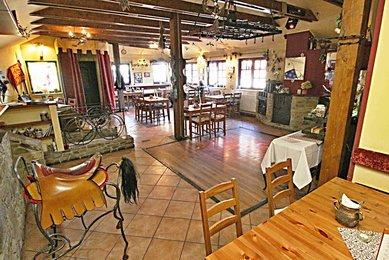 Prodej restaurace se 2 byty, Habrovany, okr. Vyškov
