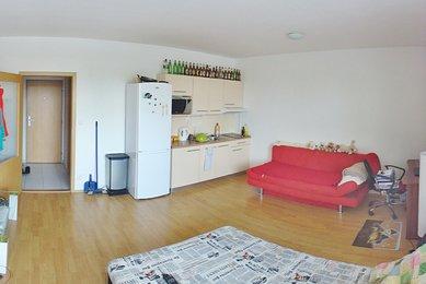 Pronájem bytu 1+kk S balkonem, Brno- Královo Pole- Božetěchova