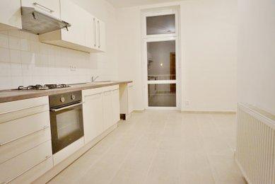 Pronájem pěkného, kompletně rekonstruovaného a prostorného bytu 2+kk, Brno- Komárov- Jeneweinova