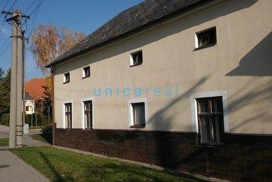 Pronájem staršího rodinného domu v obci Pustiměř nedaleko Vyškova