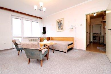 Pronájem bytu 2+1, 55m² s balkonem, Modřice, Sadová