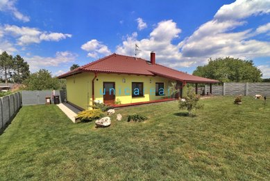Prodej  rodinného domu  Úvaly u Valtic, okres Břeclav