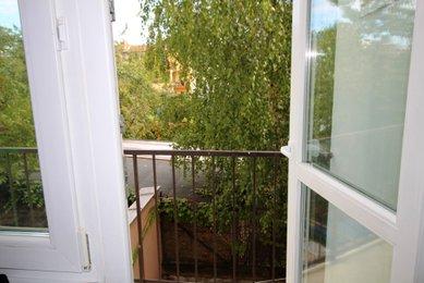Prostorný byt 1+1 (CP 47 m²), s vyhrazeným parkovacím stáním, ulice Merhautova