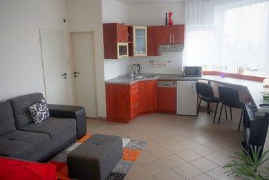 Pronájem bytu 1+kk, ul. Táborská, Brno- Židenice