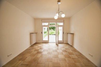 Pronájem prostorné kanceláře v ulici Minská, CP 69 m²