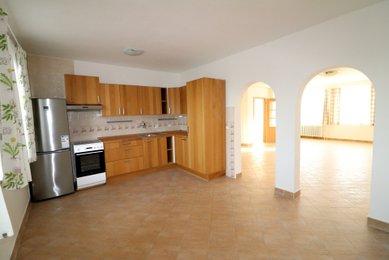 Pronájem bytu 3+1, 82m², Brno-Žebětín