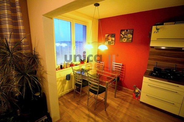 Pronájem pěkného, zrekonstruovaného a zařízeného bytu 3+kk s balkonem, Brno - Lišeň