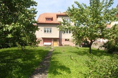 Prodej rodinného domu 4+1 s garáži, Ev.č.: 01009