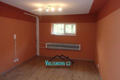 Nabídka pronájmu obchodních prostor - Otrokovice, Ev.č.: 01019